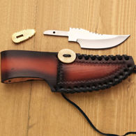 Skinner Kit: 400 series SS blade, brass finger guard, leather sheath