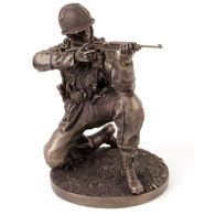 Picture of Kneeling Soldier Statue