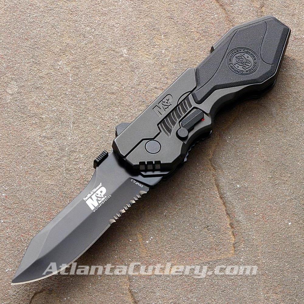 Picture of S&W Graphite Handle Black Rubber Semi Serrated