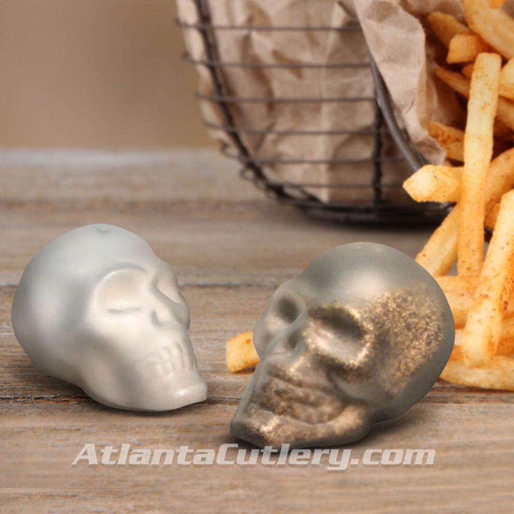 Picture of Doomed Skull Salt & Pepper Shakers