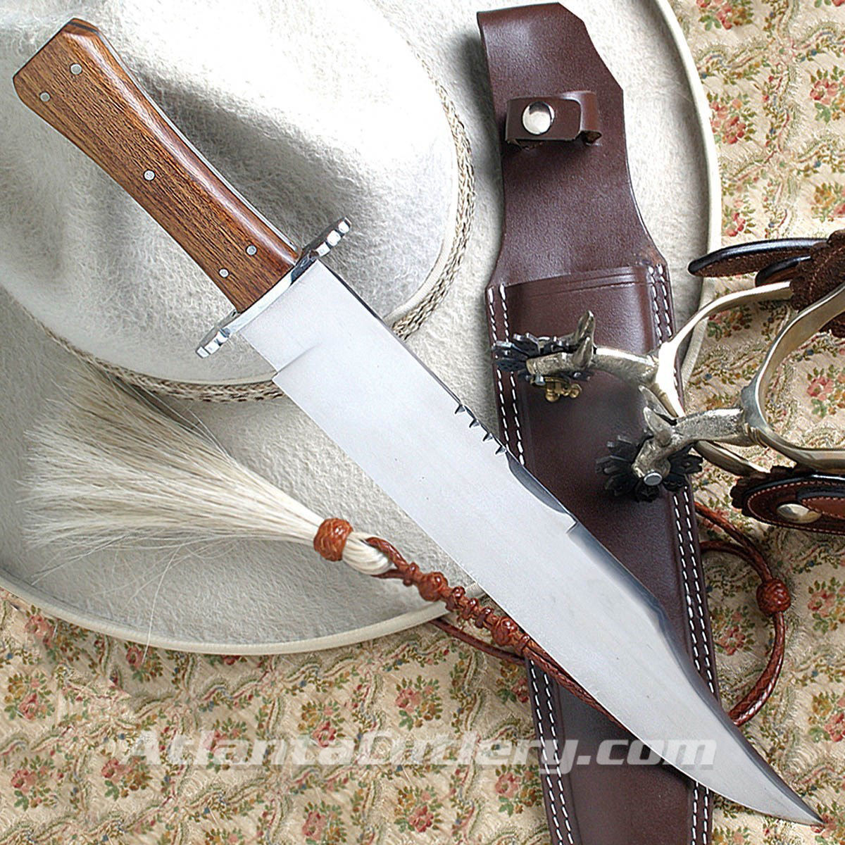 Hunter's Companion Bowie Knife with Sheath