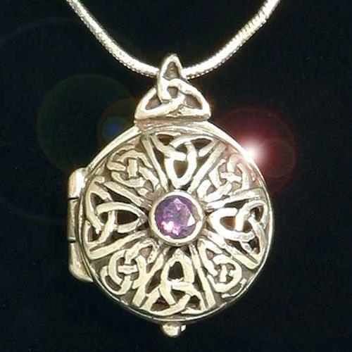 Picture of Celtic Keepsake Locket Pendant