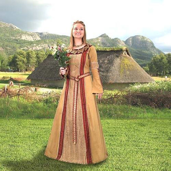 Picture of Viking Queen Gown