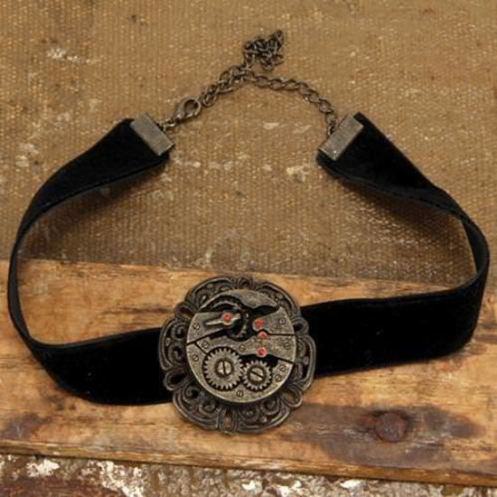 Picture of Black Velvet Steampunk Gear Choker