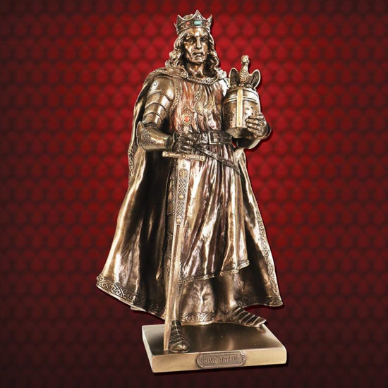 Picture of King Arthur Statue