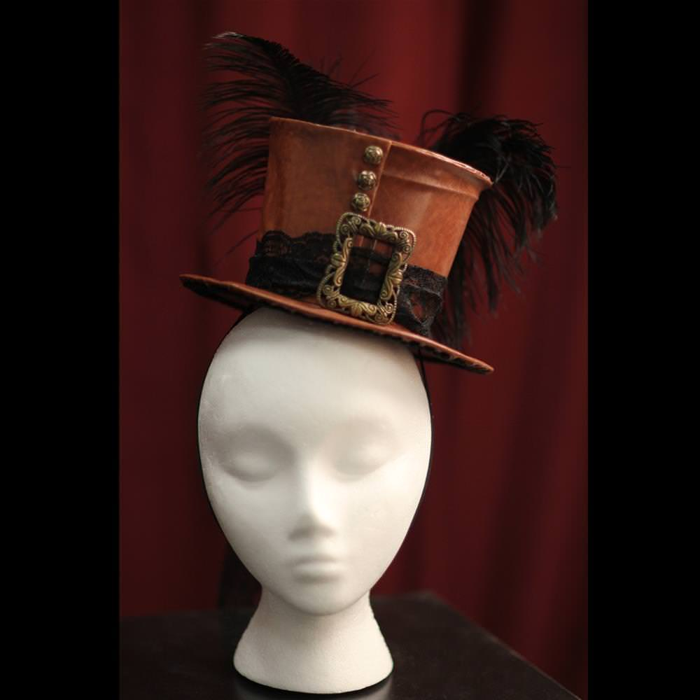 Picture of Burlesque Top Hat with Feather