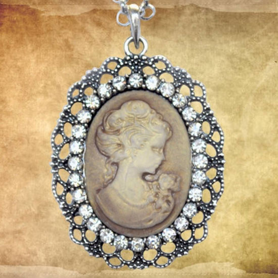 Picture of Victorian Gold Oval Cameo Necklace