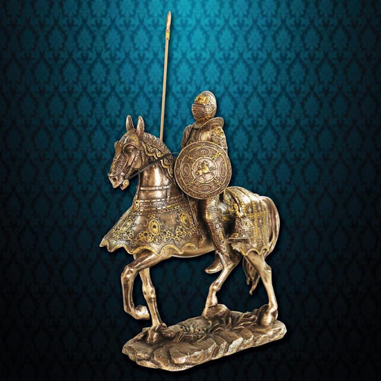 Picture of Medieval Armored Knight Statue
