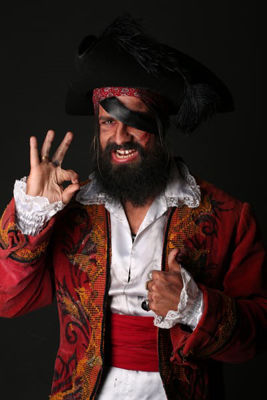 Great Ideas for Men's Pirate Costumes