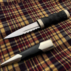 Sgian Dubh Scottish Stocking Dirk with scabbard