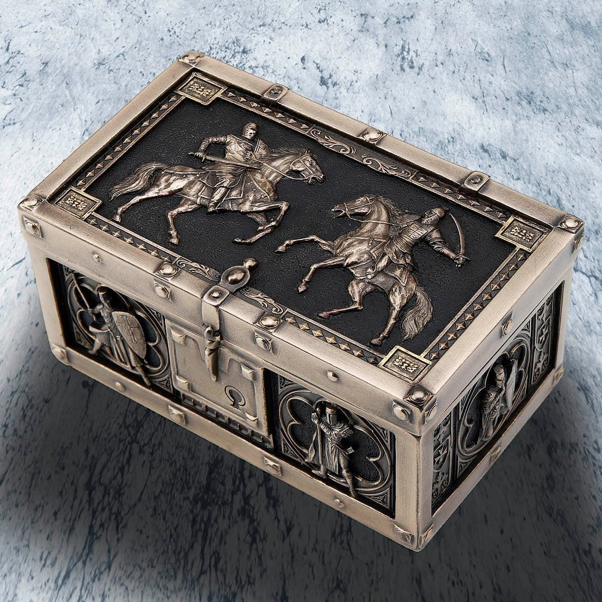 Battle of the Crusaders Hinged Trinket Chest